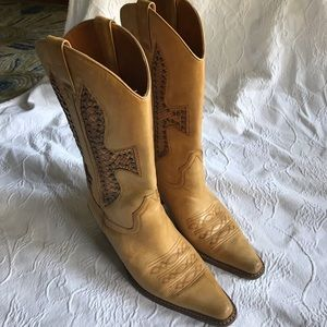 Light brown Cowboy boots